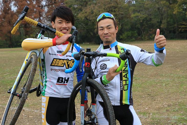 講師役の前田公平選手(左:弱虫ペダルシクロクロスチーム)と、菅田純也さん(チームCHAINRING)