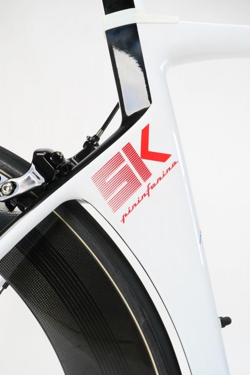 シートチューブに記されたバイクネームと Pininfarinaの文字