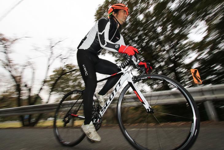 「持って軽い、乗って軽い、登って軽いと三拍子揃った1台」鈴木卓史(スポーツバイクファクトリー北浦和スズキ)