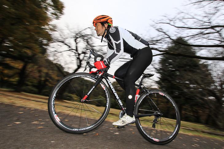 「ヘッド周りの硬さが印象的 加減速が得意なパンチャー系のライダーに適したバイク」鈴木卓史(スポーツバイクファクトリー北浦和スズキ)