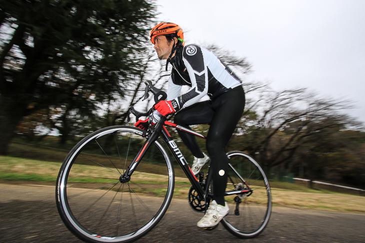 「上位グレードのカーボンに通じる鋭い加速が魅力」 鈴木卓史(スポーツバイクファクトリー北浦和スズキ)