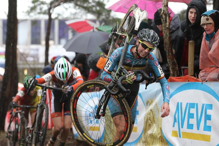 シクロクロス世界選手権女子U23を走っていたフェムケ・ファンデンドリーシュ(ベルギー)