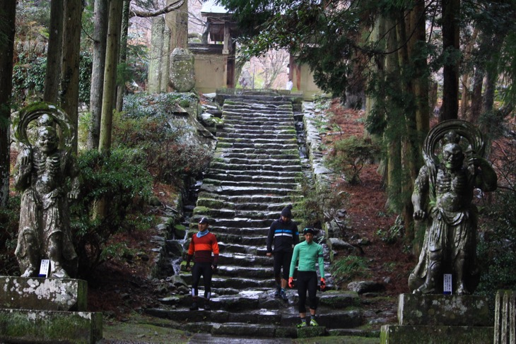 六郷満山の中山本寺である両子寺。この地の中心的な寺院からスタートした