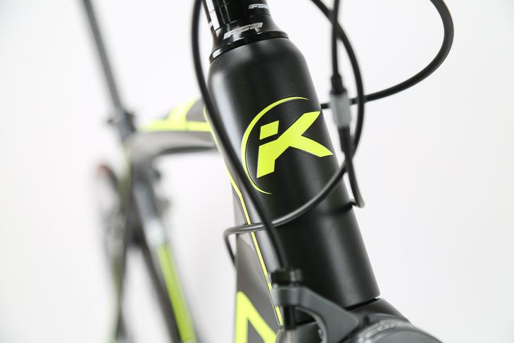 ブランド名の頭文字「K」をモチーフとしたケモのロゴ