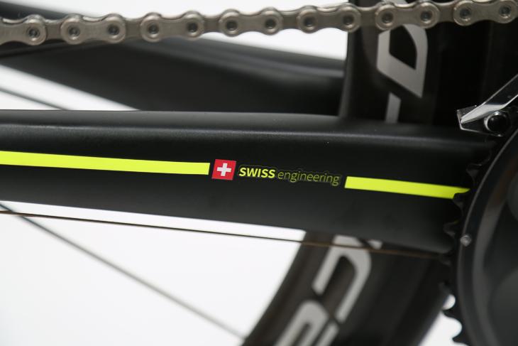 設計はスイスで行われる