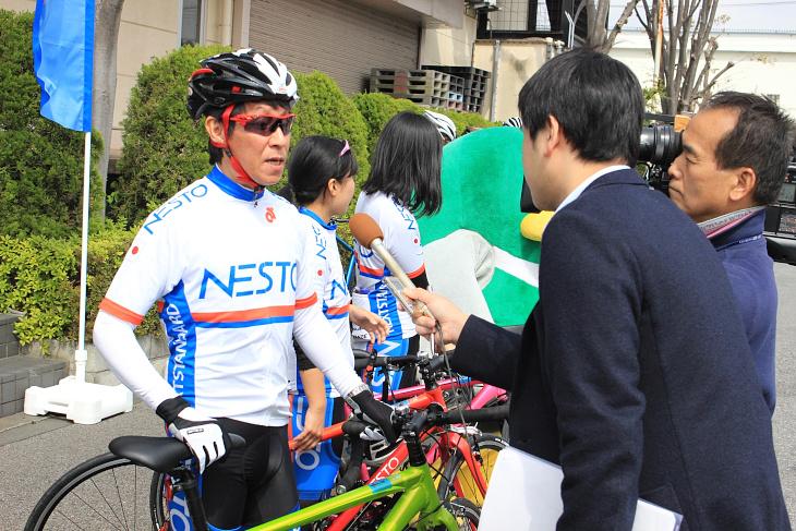 会社を率いる堀田社長もインタビューで引っ張りだこだ