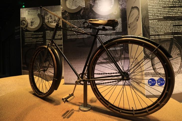 デモンターブルを装着し、第1回パリ〜ブレスト〜パリを圧勝した自転車
