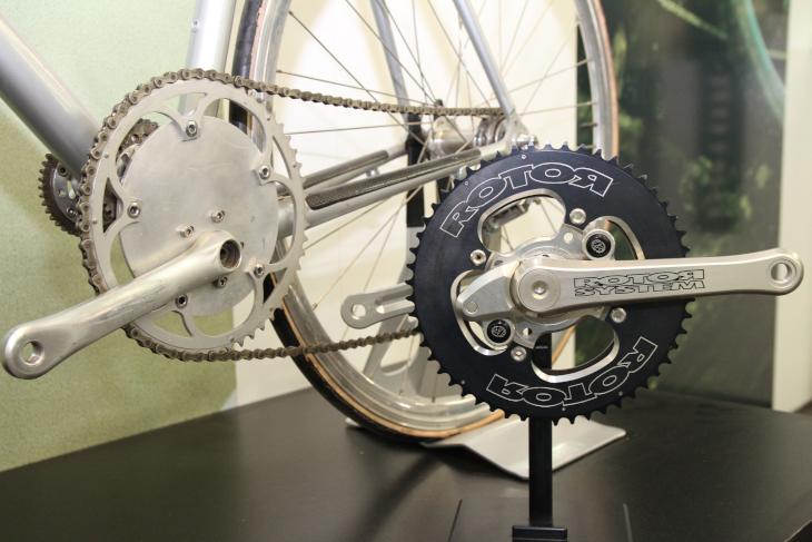 ペダリング効率の追求によって生み出されたローター初期のプロダクト