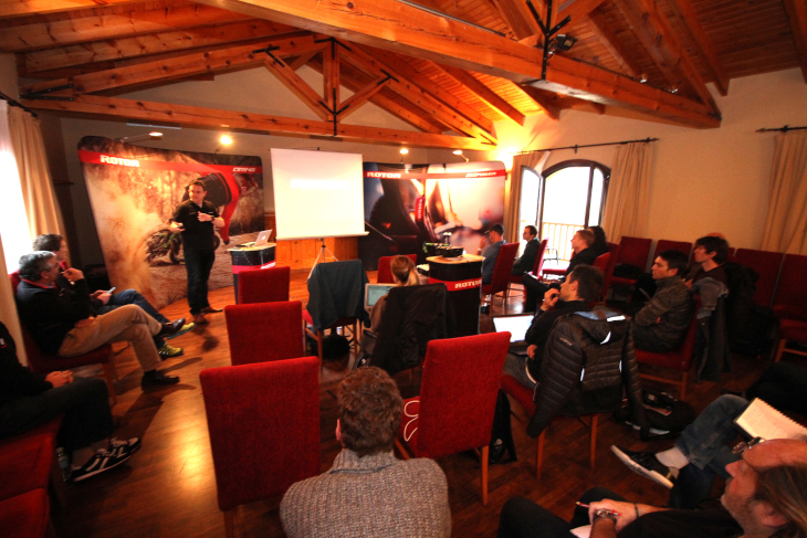 欧米の著名なサイクリングメディアから15名ほどのジャーナリストが参加した