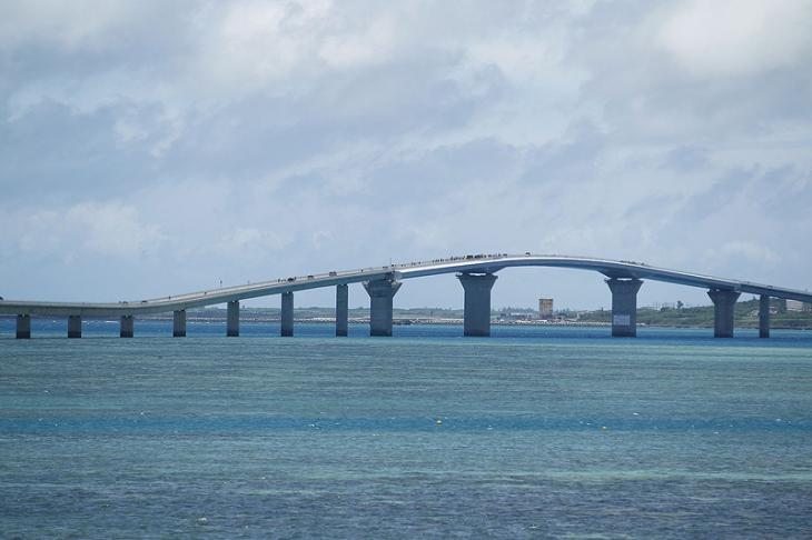 全長3000mを越える伊良部大橋は2015年に完成したばかり