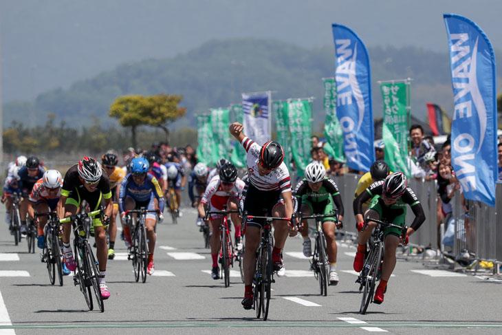 E2 片山弘基(VC Fukuoka)が優勝