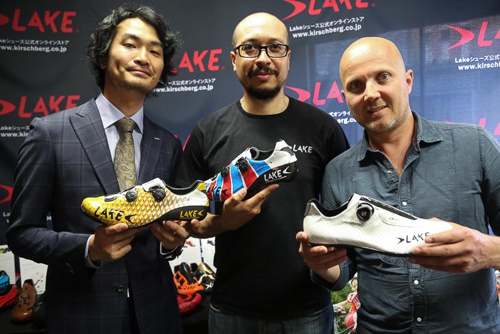 キルシュベルク代表中川悟志氏、開発責任者クリス・ハッチンス氏(中央)、LAKE Cycling社オーナーのボブ・マース氏(右)
