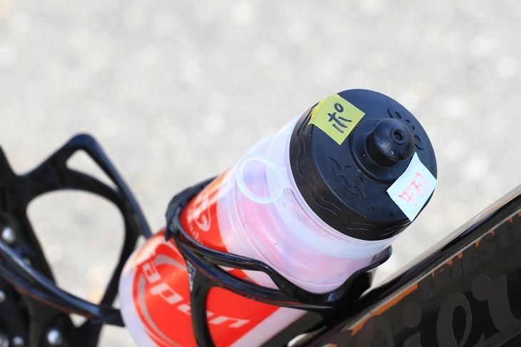ナショナル合宿からそのまま持ち込まれたボトル。「ポ」というシールはポカリスエットが入っているからだとか