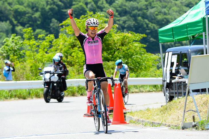 コンソレーションレース&ジュニアは、高校生の蠣崎優仁(伊豆総合高校)が優勝