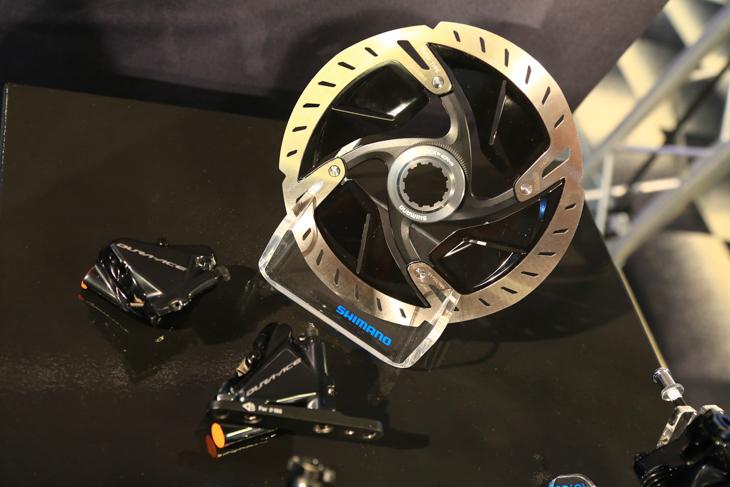 新型DURA-ACEに新たに組み込まれた油圧ディスクブレーキシステム