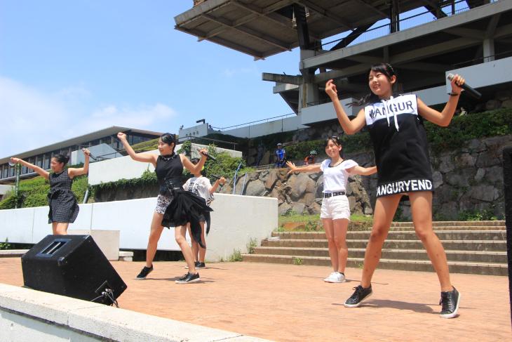 今年も伊豆市のご当地ダンスボーカルユニットの「あいぜっちゅー」も登場