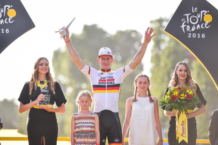 最終日パリで勝利したアンドレ・グライペル(ドイツ、ロット・ソウダル)