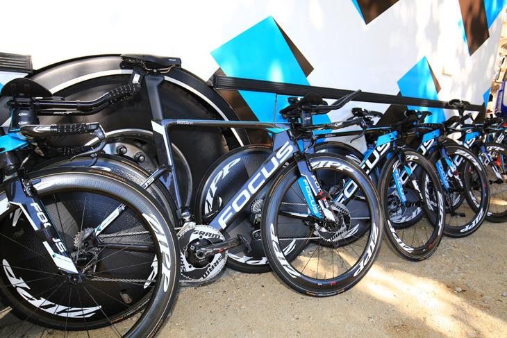 TTバイクはフォーカス IZALCO CHRONO MAX: photo:Makoto.AYANO