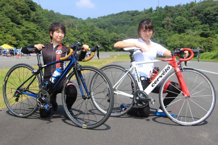 館石育美さん ジャイアント TCR 0、高橋知里さん サーヴェロ S1