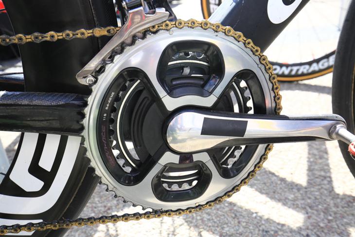カヴェンディッシュのバイクには、サポート外のSRMのパワーメーターがアッセンブルされる