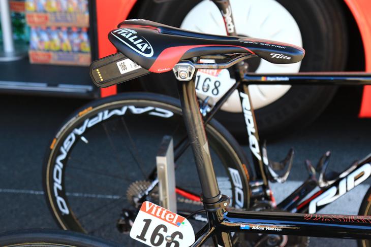 シートポストはデダ・エレメンティからサポートを受けるものの、ハンセンのバイクにはPROのVIBEがアッセンブルされていた