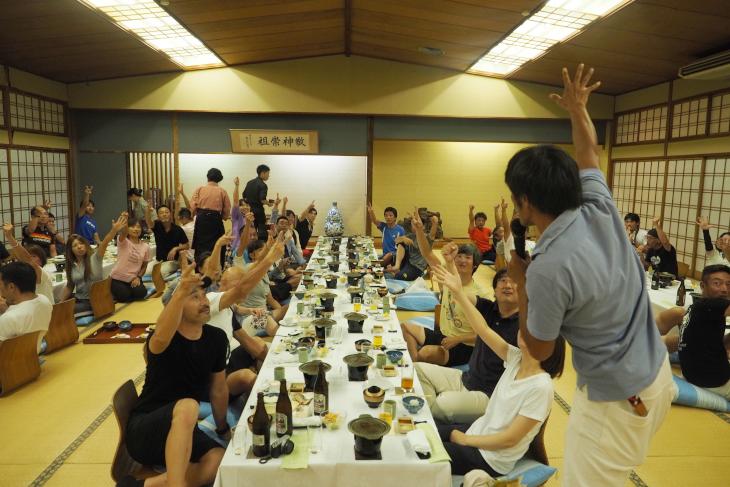 宮澤さん私物提供のジャンケン大会も開催。ファン垂涎のレアアイテムも大放出