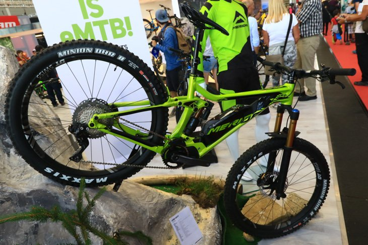 メリダのE-Bike。トランスミッションにシマノデオーレXT Di2を装備