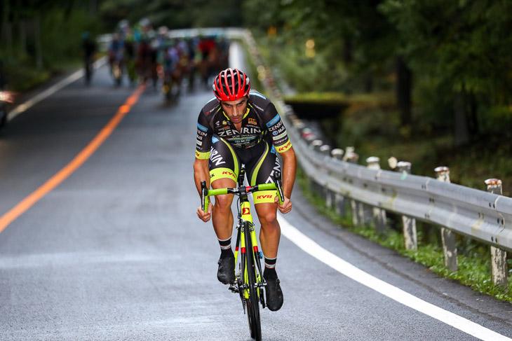 9km地点から3kmを逃げたジョン・アベラストゥリ(チーム右京)