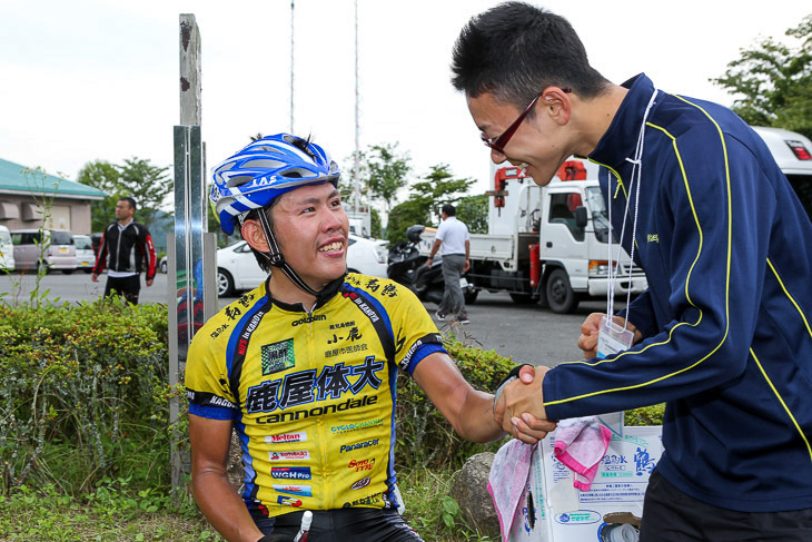 代表の岡泰誠氏と2013年全日本選手権U23優勝の徳田鍛造(C.C.ノジョンスールオワーズ)は高校時代の同期。寮の同室でもあった