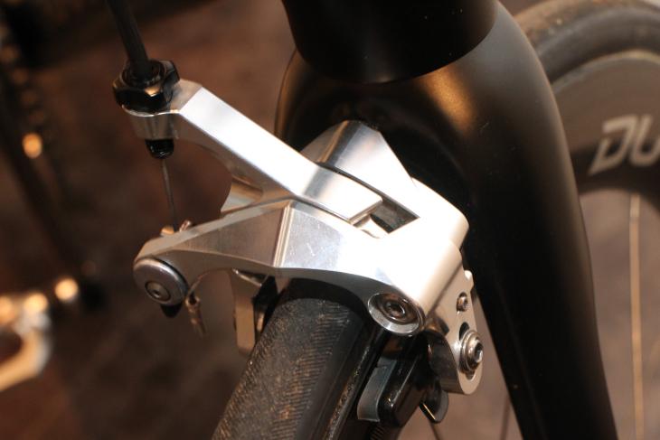 リムブレーキ用のプロトタイプ。形状は製品版とよく似ている