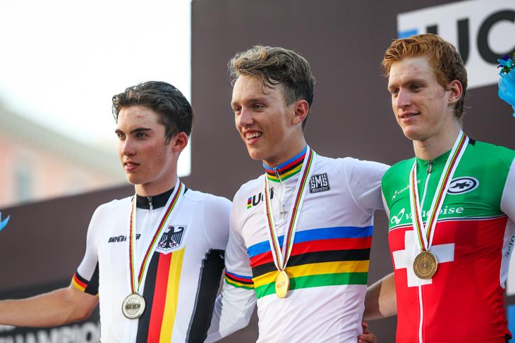 2位ニクラス・マルクル(ドイツ)、1位ヤコブ・イーホルム(デンマーク)、3位レト・ミュラー(スイス)