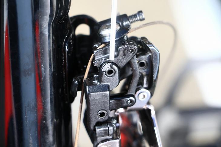 ワイヤーの張り調整の目安となるインジケーター