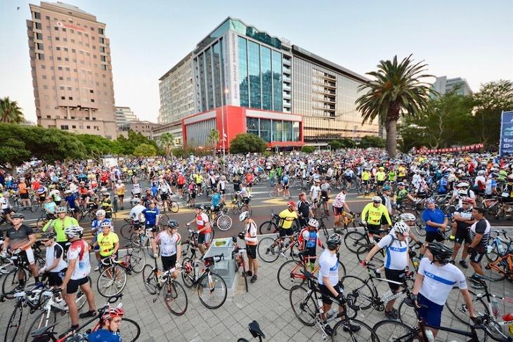 ケープタウンの中心が自転車で埋め尽くされる