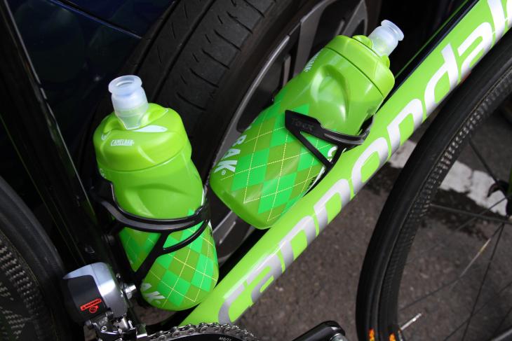 ボトルケージはアランデールから供給を受けるが、何故かヴィッレッラのバイクにタックスDevaが装着されていた