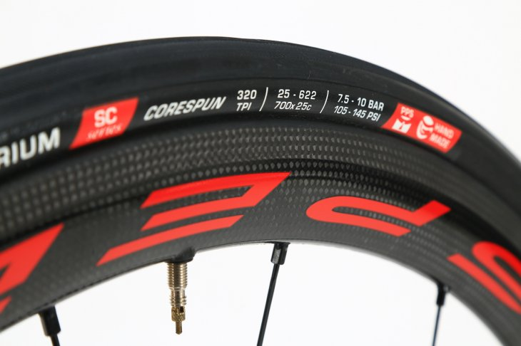 25Cタイヤに最適化されたC17リムプロファイルを持つ