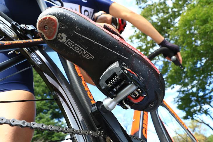 「左右に揺れる構造により自動的に適切な角度へ導いてくれる」杉山友則(Bicicletta IL CUORE)