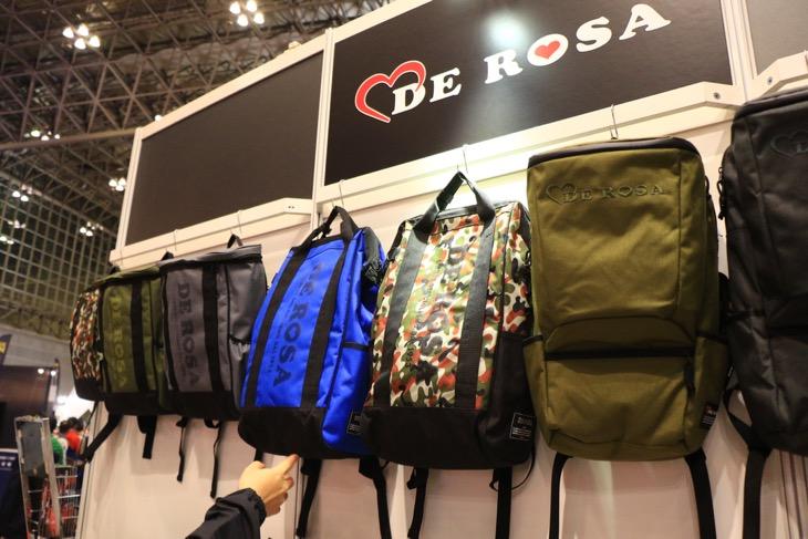 3ヶ月前に発売して以来人気だというデローザブランドのバッグ