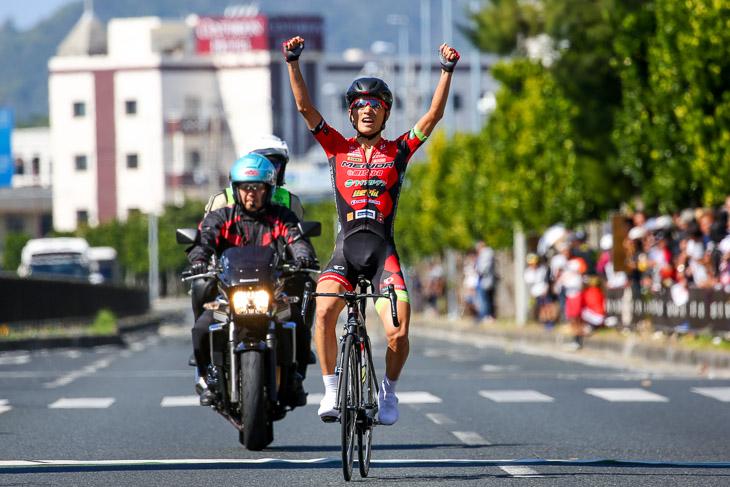 男子チャンピオンロードレース210km 増田成幸(宇都宮ブリッツェン)が14kmを逃げ切って優勝