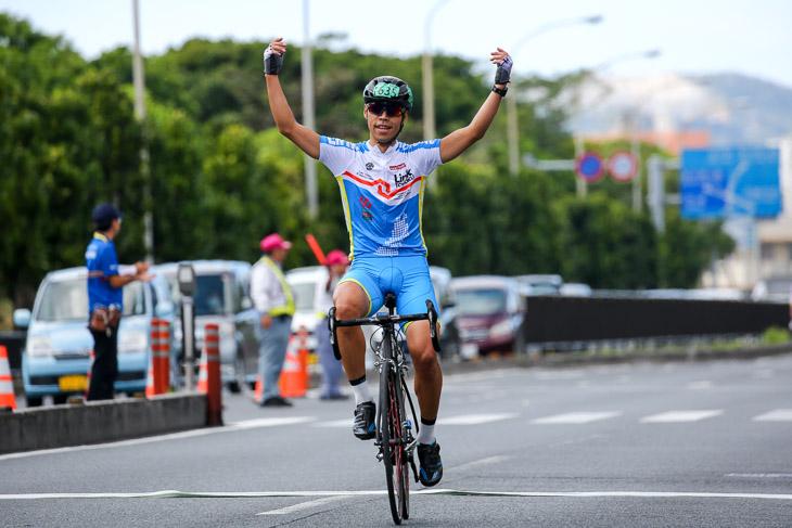 市民レース100kmアンダー39 半澤雄高(Link TOHOKU)が優勝