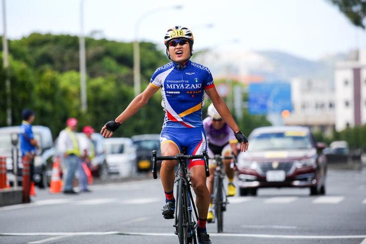 市民レース140km 中村駿佑(チームヤーボー)が優勝