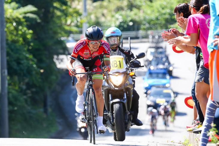 チャンピオン 195km地点、アタックした増田成幸(宇都宮ブリッツェン)が後続を突き放す