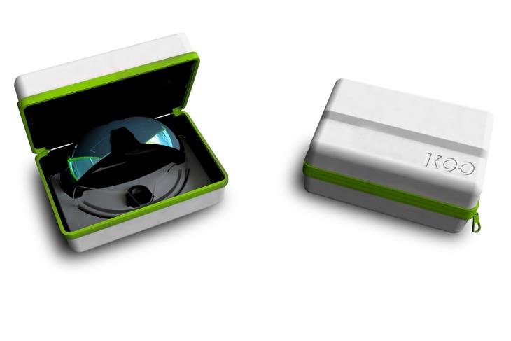 パッケージにはサングラス本体(フレーム、標準レンズ、ノーズパッド)に加えて交換レンズ1枚とスモールノーズパッドが同封される