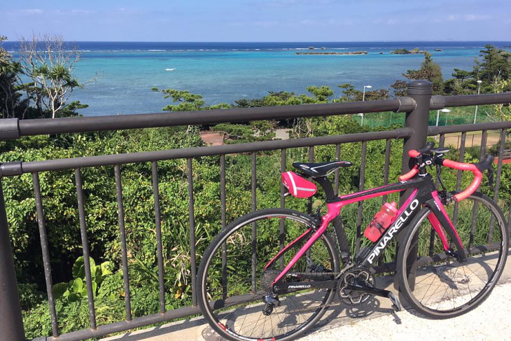 コースから見える恩納村の海