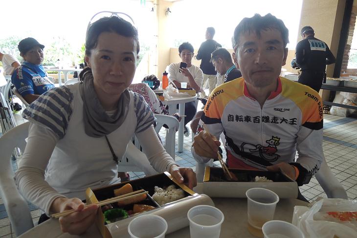 一緒に昼食をいただいた瀧口夫妻