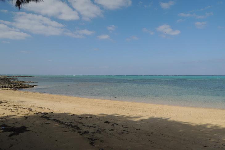 美しいビーチに思わず足をとめてしまう