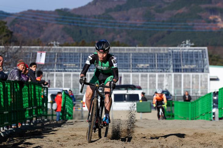 ジュニア 1周目後半で早くも先頭に立った日野泰静(松山城南高校)