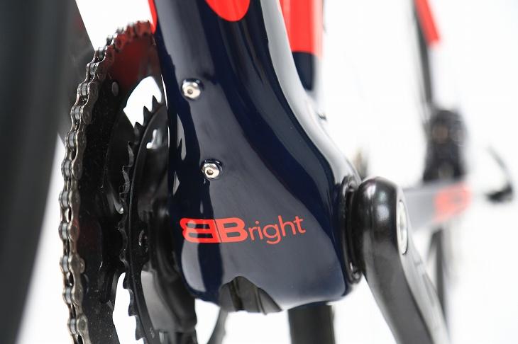 サーヴェロ独自規格であるBBrightを採用。剛性を9%向上させるという