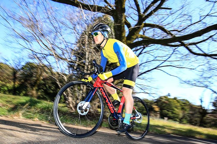 「エアロバイクなのに快適で脚への負担が少ないフレーム」佐藤淳(カミハギサイクル)