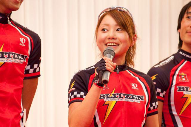 2009年、地元宇都宮のチーム、ブリッツェンが発足し、唯一の女子選手として加入した針谷千紗子