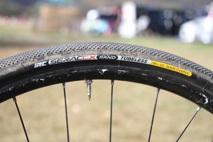 タイヤはIRCのSERACシリーズをコンディションによって使い分ける